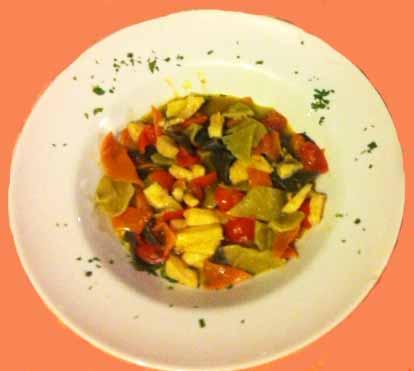 Pasta tricolore tonno e pomodorini